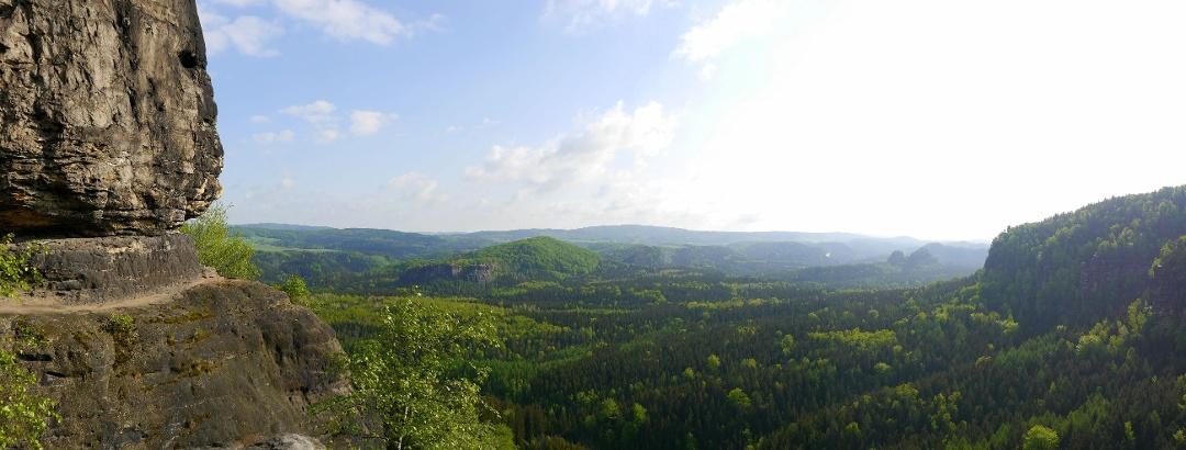 Blick in die Sächsische Schweiz von der Idagrotte