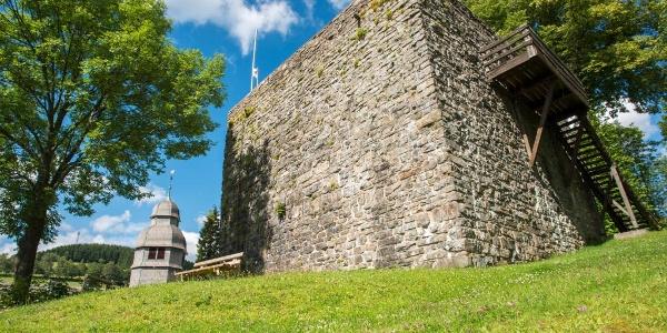 Die Burgruine in Nordenau