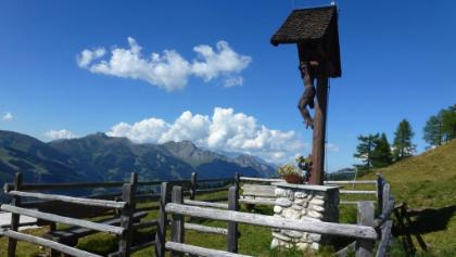 Kruzifix oberhalb der Bichlalm