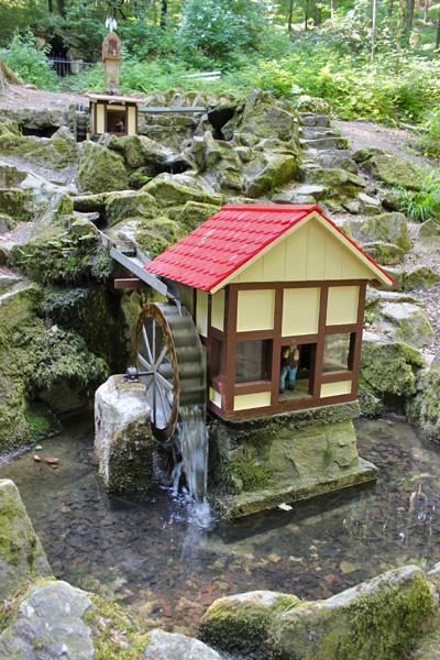 Miniaturhäuschen am Heiligen Brunnen