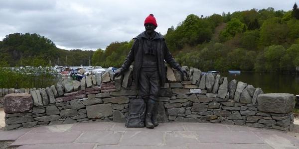 Tom Weir Statue