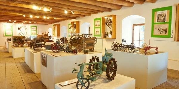 Landtechnikmuseum im Europaschloss Leiben