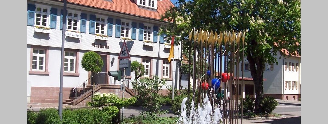Rathaus Hardt mit Brunnen