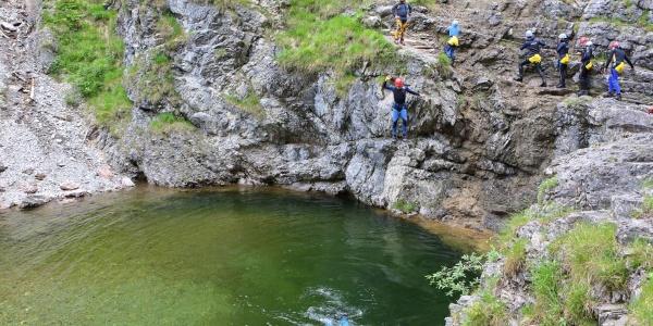 Canyoning Stuibenfälle - Sprung