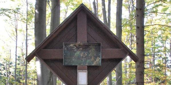 Tobiaskreuz auf dem Rücken des Rosaliagebierges