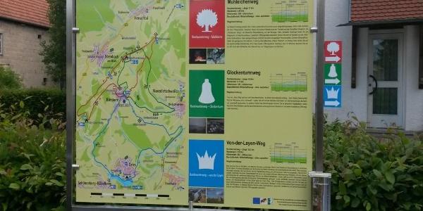 Informationstafel vor dem Dorfgemeinschaftshaus in Börsborn