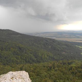 Blick vom Hohen Felsen auf aufziehende Regenfront