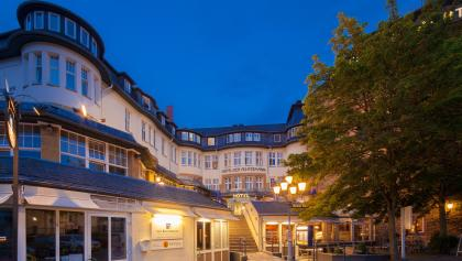 Hotel Der Achtermann bei Nacht