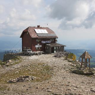 Helmut-Erdschutzhaus 2376m