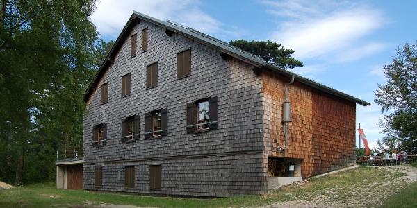 Neunkirchner Haus auf der Flatzer Wand (Copyright: Herzi Pinki)