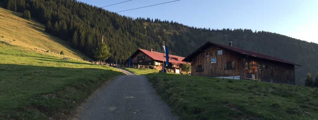 Blick zur Alpe Oberen Kalle
