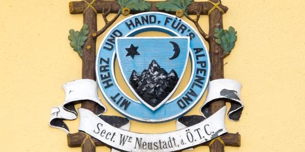 Das ehem. Logo des Österreichischen Touristenklubs erinnert an die Anfänge