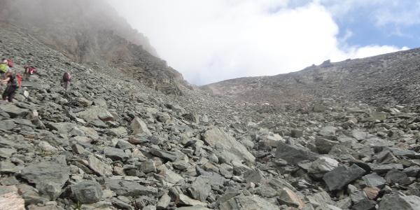Letzter Anstieg zum Joch vor dem Gipfel
