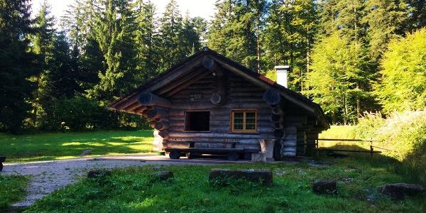 Abendwieshütte mit Grillstelle und WC