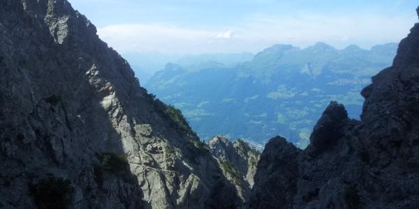 Blick vom Fürstensteig auf die südöstliche Alvierkette (Gonzen, Gauschla, Alvier, Fulfirst)