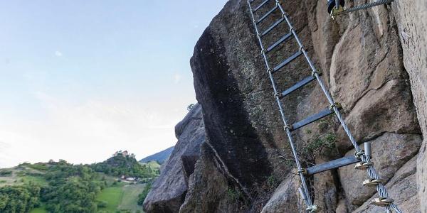 Blick auf Reinhold Messners Schloss Juval