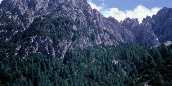 Il Siera Spitz e la casera omonima dal passo Siera