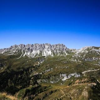 Vista verso la cresta del Righile