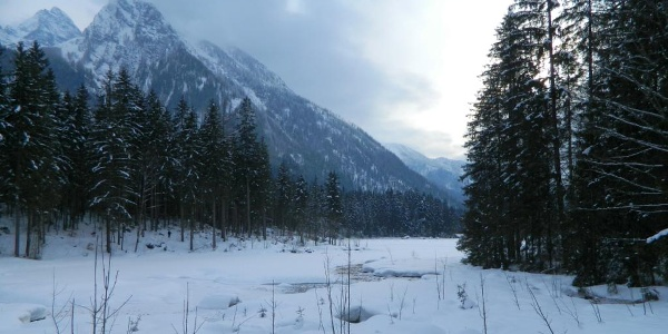 Abend am winterlichen Hintersee