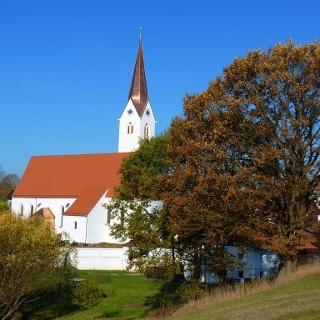 """Kirche """"Mariä Himmelfahrt"""" in Waldhof"""