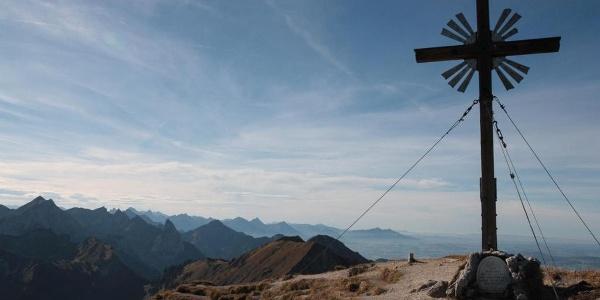 Bergtour - Große Klammspitze - am Gipfelkreuz