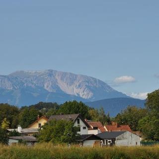 Bad Erlach mit Schneebergblick