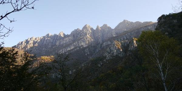 Das Resegone-Massiv, ganz rechts: die Punta Cermenati