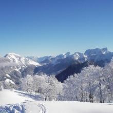 Ausblick vom Gipfel gg Maiereck und Gesäuse