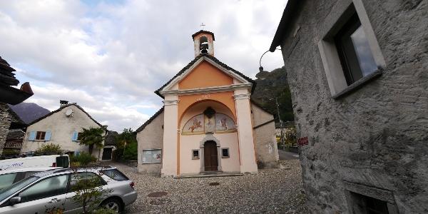 Die Kirche Santa Maria del Carmelo im Zentrum von Maggia
