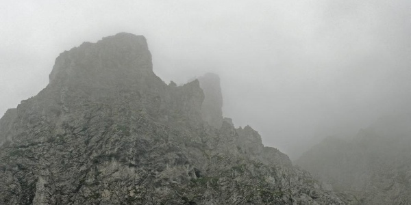 Der Kleine Muckenriegel im Nebel