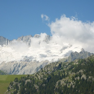 Die imposante Bergkette des Dammastocks