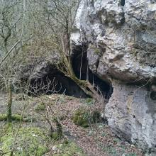 Höhle 2