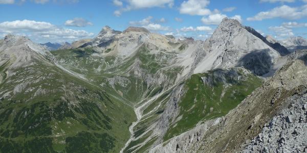 Ausblick vom Grieskopf auf Wetter- und Feuerspitze