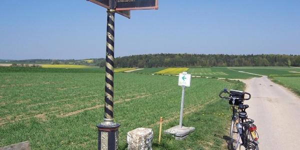 historischer Wegweiser Lehenweiler