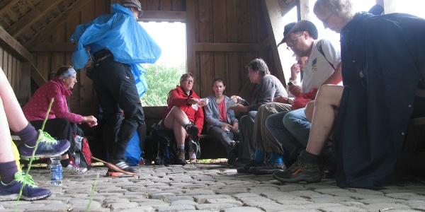 Rast in der Schutzhütte bei Wiedingen