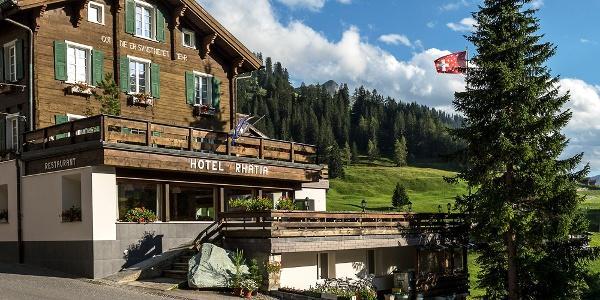 Hotel Rhätia Aussenansicht