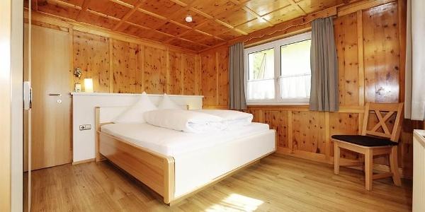 Schlafzimmer Aktiv-Ferienwohnungen Montafon
