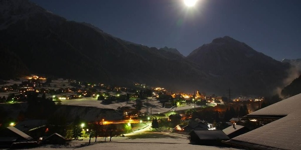 Aussicht Balkon bei Nacht
