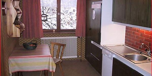 Ferienwohnung Waldhaus Küche01