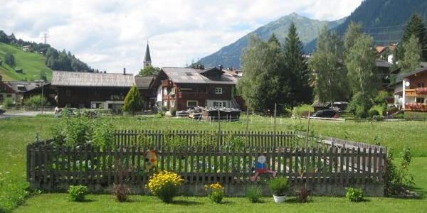 Blick ins Dorfzentrum