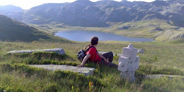 Stirinsko lake from nearby Stecci necropolis
