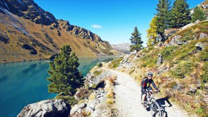 Mountainbiker am Cleuson Stausee