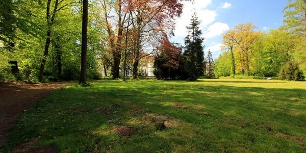 Schlosspark Wehrden mit Drosteturm
