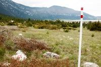 Trail markings along Dugo polje Plain