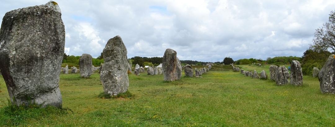 Menhire (Hinkelsteine) der Bretagne