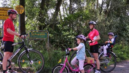 Radtour vom Schwalmradweg zum Bahnradweg Rotkäppchenland