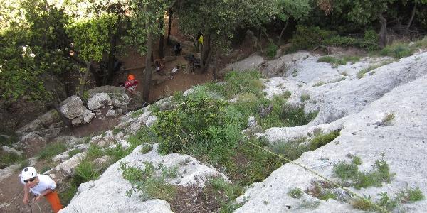 bequemer Wandfuß im Klettergarten Pilastrino Mirovino