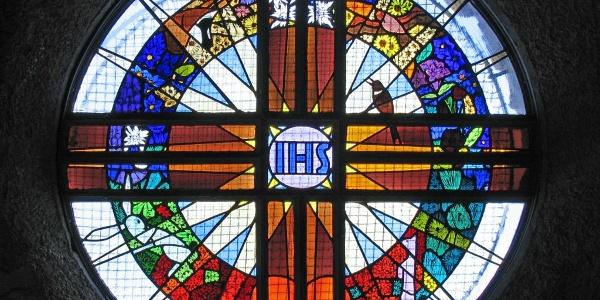 Fenster im Inneren der Kapelle