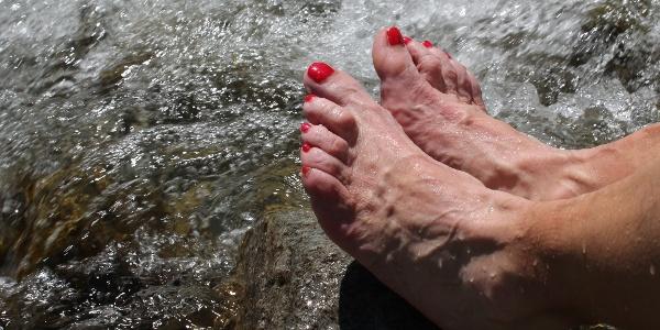 Frisches Wasser für die müden Füsse