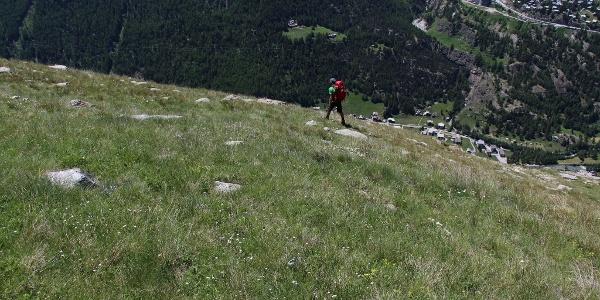 Hoch über Sass Grund geht es Richtung Almageller Alp
